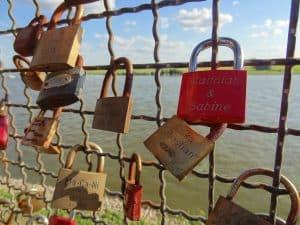 בגידה - כשמנעול האהבה לא מחזיק לנצח